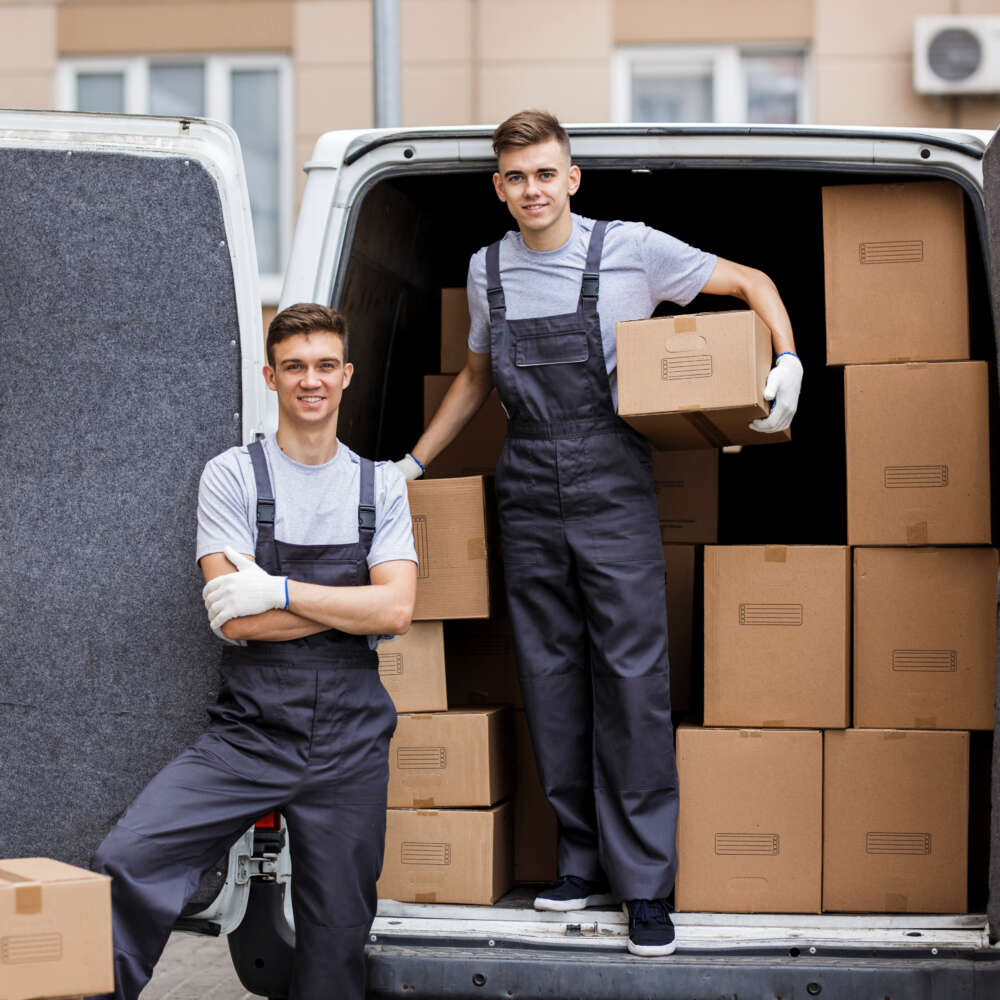 The Pros of Using Professional Moving and Packing Services